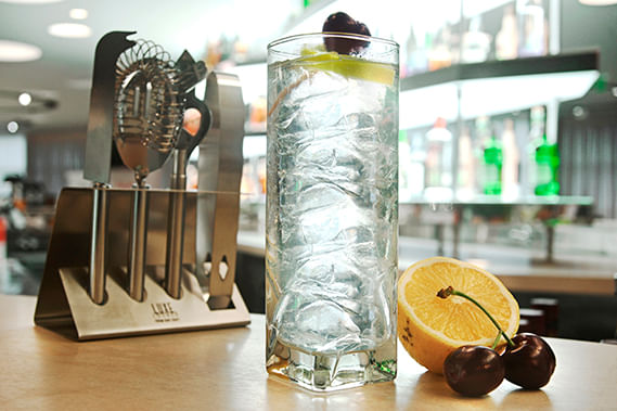 TANQUERAY-London-Dry-Gin-Tom-Collins