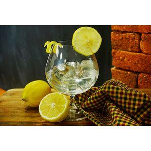 Ypióca Cinco Chaves com Água de Côco e Limão Siciliano