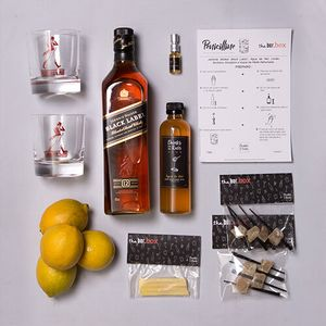 THEBAR.BOX: BOX DE PENICILLINE COM JOHNNIE WALKER BLACK LABEL